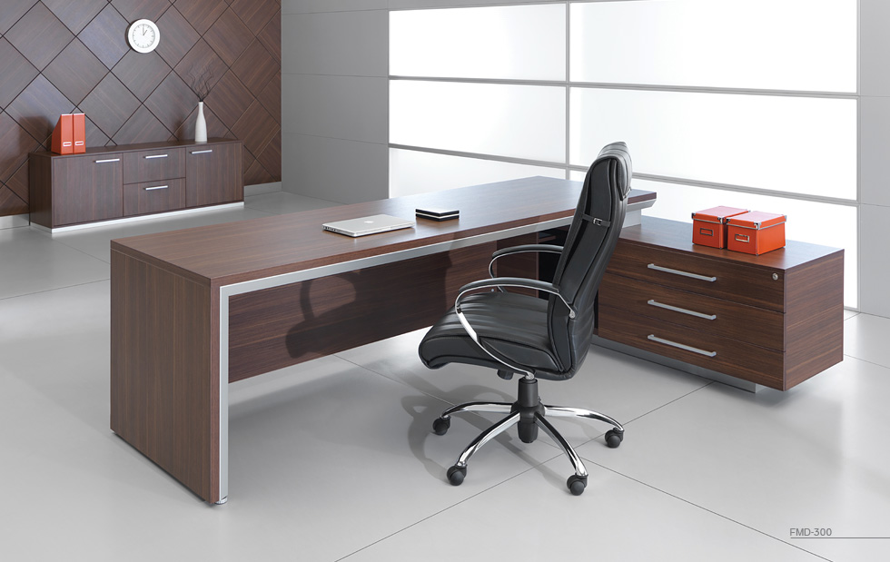 میز مدیریت چوبی